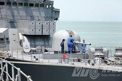 Chiến hạm sở hữu pháo hạm cùng hệ thống tên lửa nối hạm tiên tiến