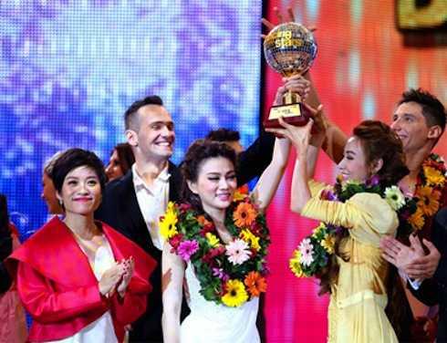 Mùa thứ 5 của Bước nhảy hoàn vũ có cách trao giải 'không giống ai' với 2 quán quân.