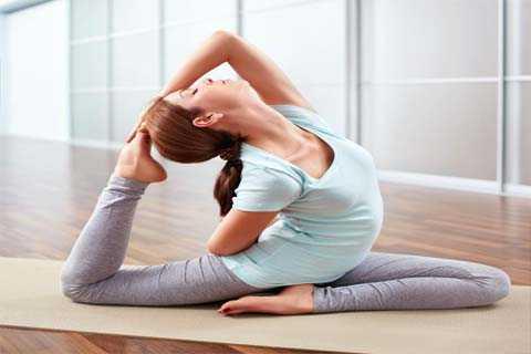 Một số tư thế yoga hoặc thiền định có thể giúp tăng cường tiêu hóa.