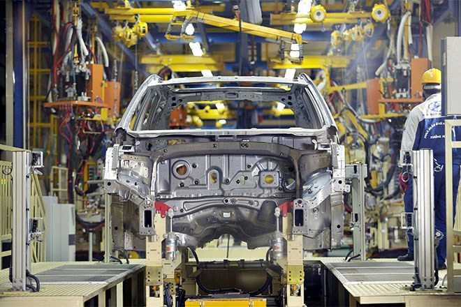 Nguyên nhân khiến ngành công nghiệp ô tô Việt Nam không đâu vào đâu chủ yếu do chính sách thuế và vốn.