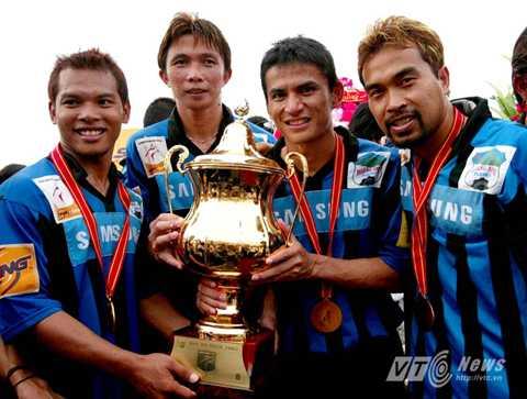 Kiatisak mang về 2 chức vô địch V-League cho HAGL (Ảnh: Quang Minh)