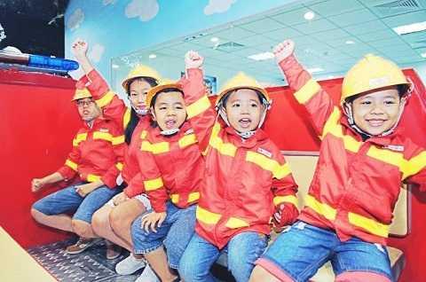 Làm những chú lính cứu hỏa nhí – một ngành nghề các bé sẽ được trải nghiêm