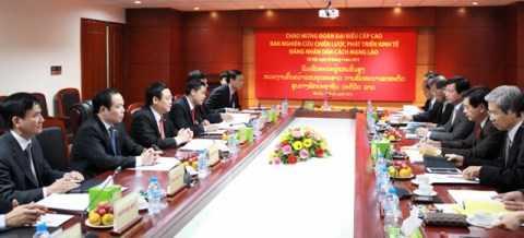 Hội đàm giữa Trưởng Ban Kinh tế Trung ương và Trưởng Ban nghiên cứu chiến lược phát triển kinh tế Đảng Nhân dân cách mạng Lào.