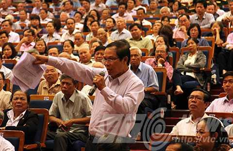 Nhiều vấn đề dân sinh được các cử tri đưa ra ý kiến đối với các đại biểu Quốc hội.