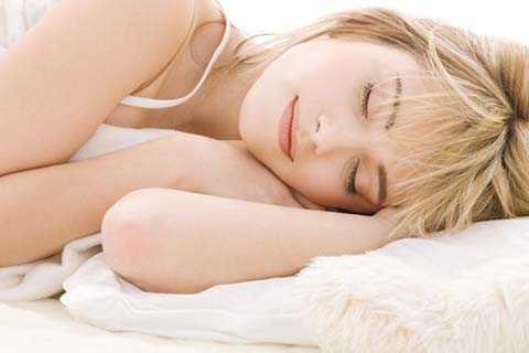Ngủ nude giúp cơ thể bạn luôn cảm thấy thoải mái và làm chậm quá trình lão hóa.