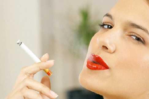 Người nghiện thuốc lá có nguy cơ mắc bệnh ung thư dạ dày rất cao.