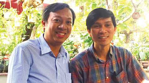 PV Tiền Phong với ông Phạm Đình Nguyên ở Sài Gòn. Ảnh: L.N