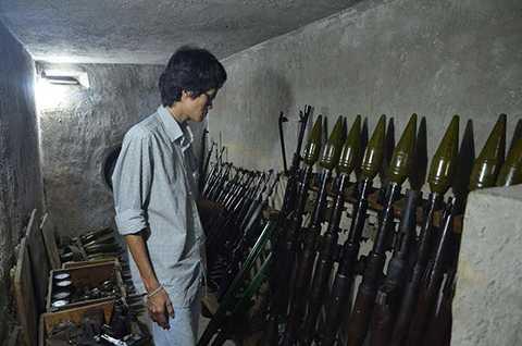 Bên trong 1 trong những căn hầm chứa vũ khí của ông Trần Văn Lai