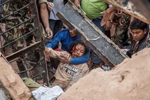 Số người tử vong do động đất ở Nepal có thể lên tới 10.000 người (Ảnh: AP)