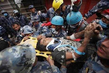 Pema Lama được đưa ra khỏi đống đổ nát sau 5 ngày