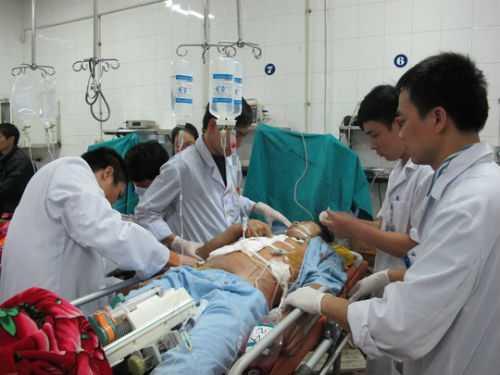 Cấp cứu do đa chấn thương sau tai nạn giao thông rất thường gặp ở các bệnh viện trong các dịp nghỉ dài ngày.