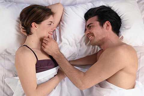 Nhiều người nhầm tưởng rằng họ chị có thể lây bệnh tình dục khi thâm nhập qua âm đạo, còn yêu bằng miệng hoặc qua hậu môn là an toàn.