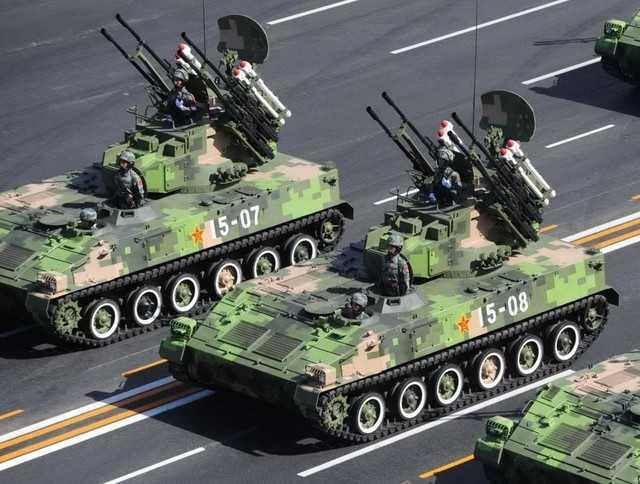 Type 95 SPAAA duyệt binh trên quảng trường Thiên An Môn