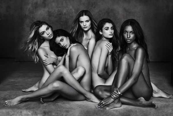 5 thiên thần khỏa thân trong shoot hình mới.