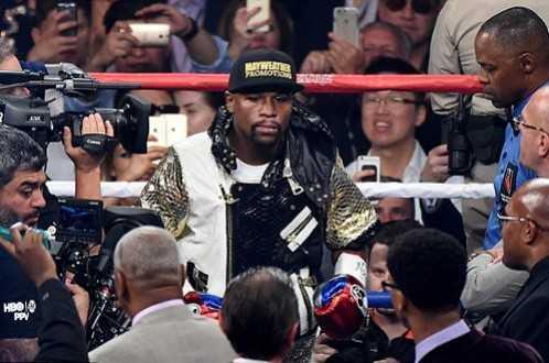 Mayweather trên sàn đấu - Ảnh: Getty Images