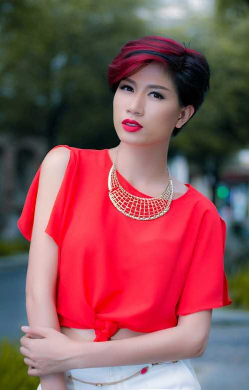 Cựu người mẫu Trang Trần