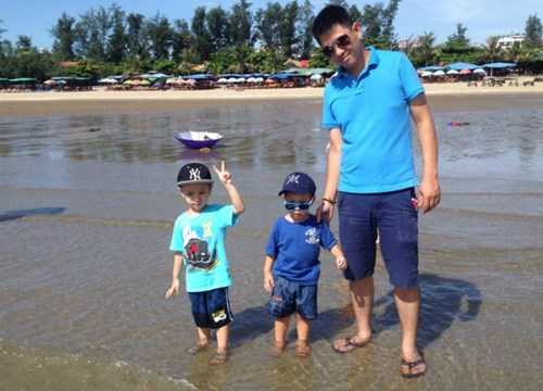 Anh Tuấn và hai con trai - Ảnh: FPT Trading