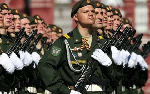 Nga đã chi không ít tiền của để đảm bảo không có mưa trong ngày Chiến thắng
