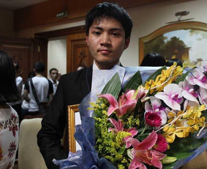 Nguyễn Ngọc Khánh, học sinh lớp 12, trường THPT chuyên Phan Bội Châu (Nghệ An) đạt Huy chương Vàng