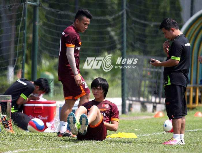 Chấn thương đang khiến U23 Việt Nam tổn thất nặng nề (Ảnh: Quang Minh)