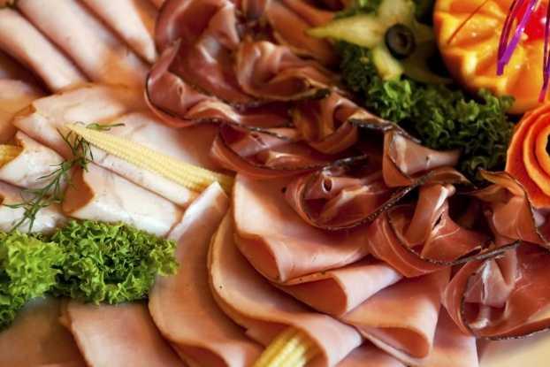 Thực phẩm giàu chất béo là những thực phẩm không tốt cho gan.