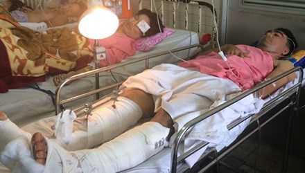 Bệnh nhân Đặng Quang Hiển (lái tàu của Xí nghiệp đầu máy Sài Gòn) đang nằm điều trị tại Bệnh viện Chợ Rẫy. Ảnh: Quốc Ngọc