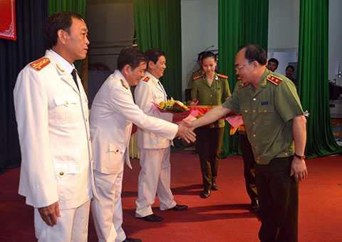 Đại tá Trần Mưu, Trưởng Phòng CSĐT tội phạm về trật tự xã hội (PC45) được bổ nhiệm giữ chức vụ Phó giám đốc Công an TP Đà Nẵng