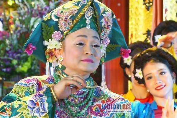 Hình ảnh Xuân Hinh trong đĩa hát văn chuẩn bị ra mắt.