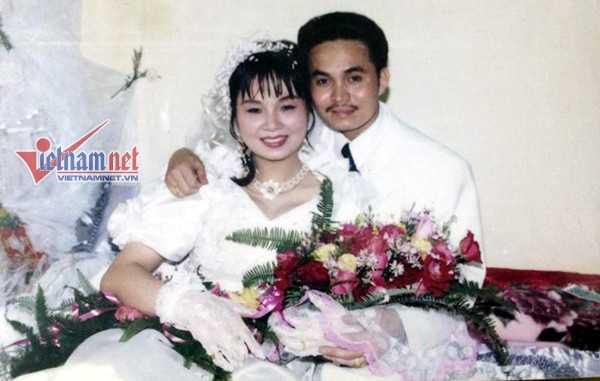 Xuân Hinh và vợ trong ngày cưới.