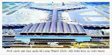 Phối cảnh sân bay Long Thành được nhiều lần đưa ra giới thiệu, thuyết phục thông qua sự án lại có nhiều điểm trùng khớp tương tự như hình ảnh của sân bay Chek Kap Lop (Hồng Kong) bên dưới.