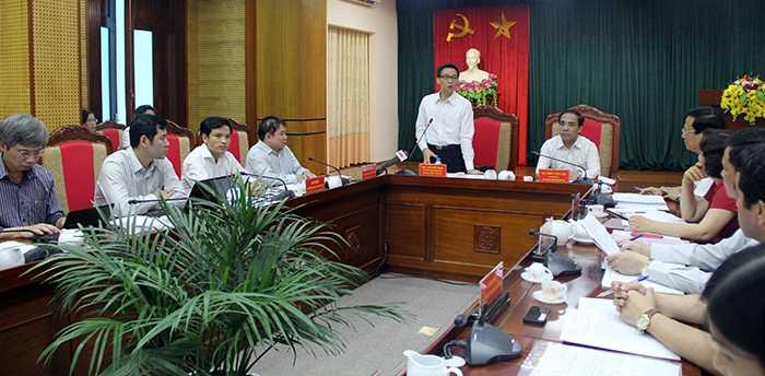 Chiều 25/5, Phó Thủ tướng Vũ Đức Đam làm việc với tỉnh Tuyên Quang về công tác chuẩn bị kỳ thi THPT Quốc gia (Ảnh: Phạm Thịnh)