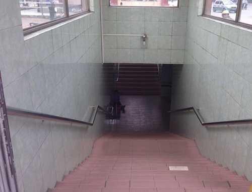 Khu vực hầm dành cho người đi bộ trên đường Phạm Hùng