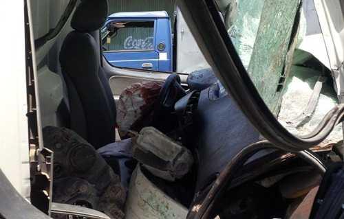 Túi khí trong xe cứu thương đã bung