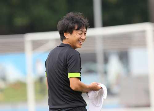 Ông Miura cười nói vui vẻ hơn