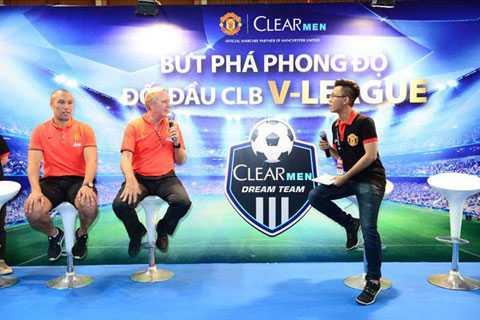 Mikael Silvestre và Gary Balley xuất hiện tại TP.HCM giao lưu với người hâm mộ Việt Nam