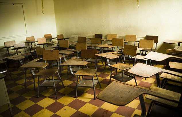 Li đã hãm hại các em học sinh tại lớp học hoặc ký túc xá của trường - Ảnh minh họa