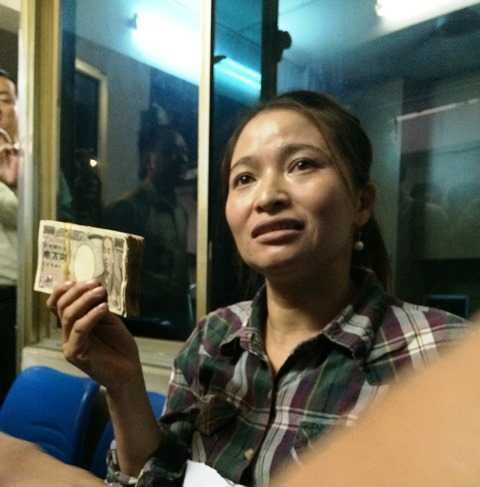 Số tiền yen Nhật chị Hồng nhận được. Ảnh: Phan Cường