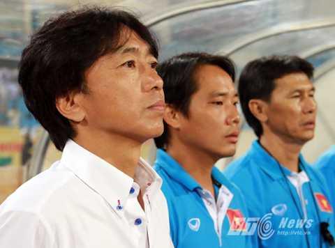 HLV Miura đang đưa U23 Việt Nam vào quỹ đạo chiến thắng (Ảnh: Quang Minh)