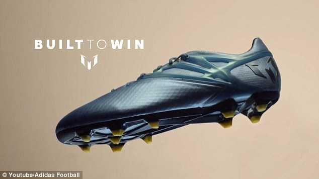 Đôi giày có tên Messi 15s