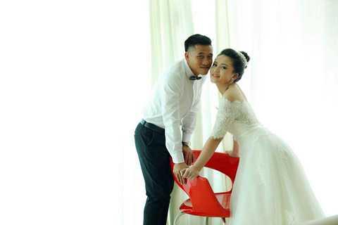 Quế Ngọc Mạnh vừa tổ chức lễ cưới trong lúc Ngọc Hải đi dự Sea Games 28.
