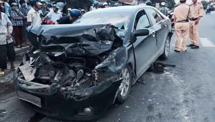 Sau tai nạn, tài xế điều khiển xe camry rời khỏi hiện trường Ảnh: Thành Tài
