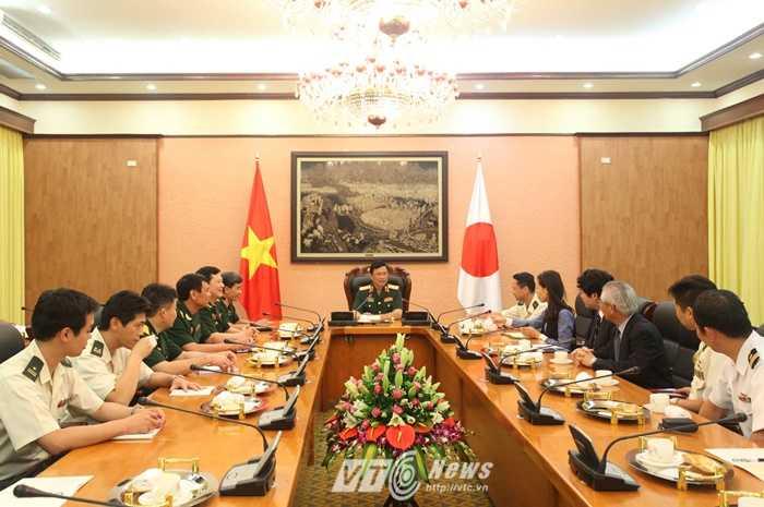 Quang cảnh buổi tiếp Thiếu tướng Sueyoshi Hiroaki - Ảnh: Hồng Pha