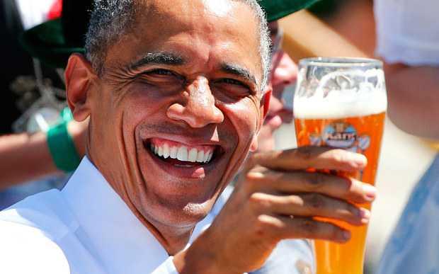 Tổng thống Obama thưởng thức bia Đức