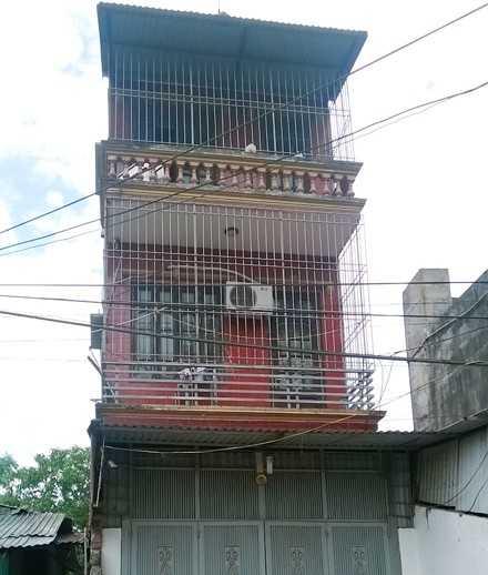 Ngôi nhà nơi Tuấn Anh đấu điện ngăn cảnh sát tiếp cận.
