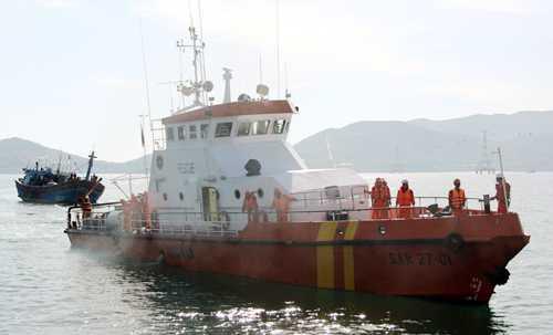 Tàu SAR27-01 trong một lần đi cứu nạn. Ảnh: Lan Hương