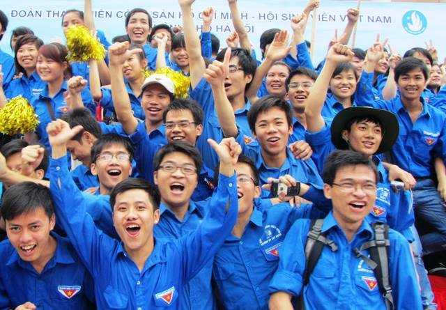 Thanh niên Thủ đô tình nguyện tiếp sức mùa thi.