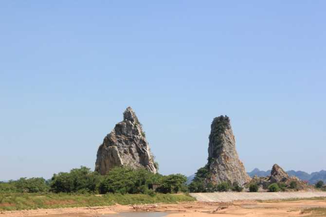 Những ngọn núi còn lại của dãy núi Ngũ Nhạc (ảnh Thành Long)