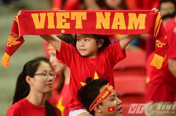 CĐV Việt Nam vẫn tới sân khá đông để cổ vũ trận đấu
