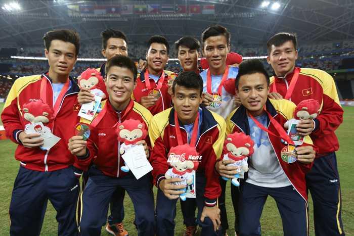 U23 Việt Nam nhận thưởng tiền tỷ (Ảnh: VSI)