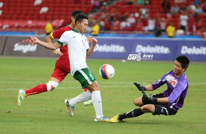 Tình huống tấn công hiếm hoi của U23 Indonesia (Ảnh: Phạm Thành)